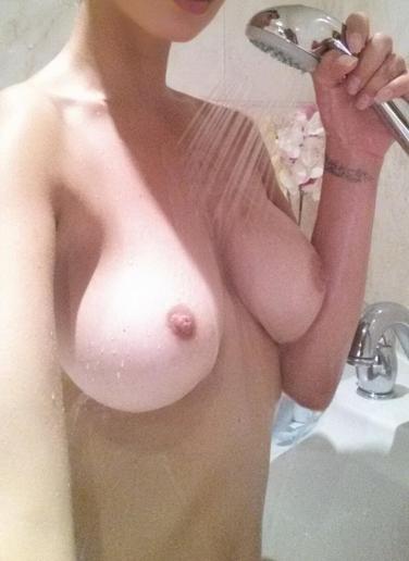 vi två nakna i duschen eskort borås